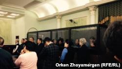 """На оглашении приговора предпринимателю Тохтару Тулешову и другим фигурантам так называемого """"Дела Тулешова"""". Астана, 7 ноября 2016 года."""