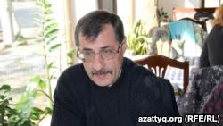 Правозащитник Евгений Жовтис. Алматы, 17 октября 2016 года.